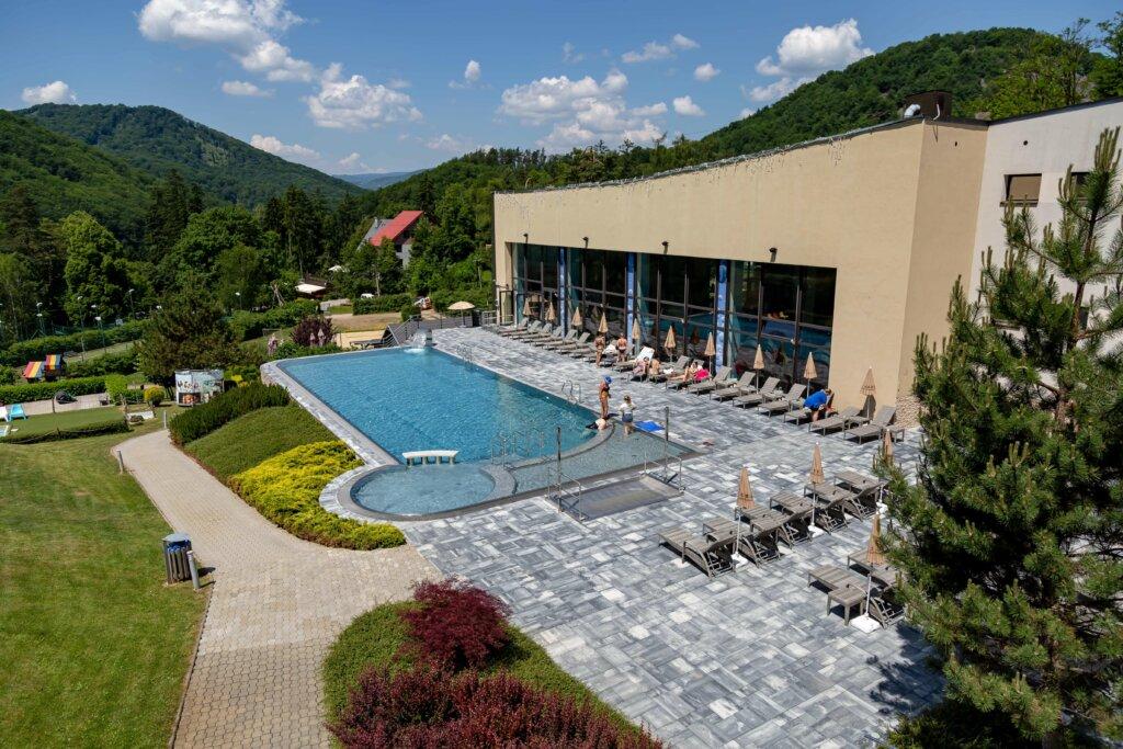 Nerezový bazén pre Hotel Sitno